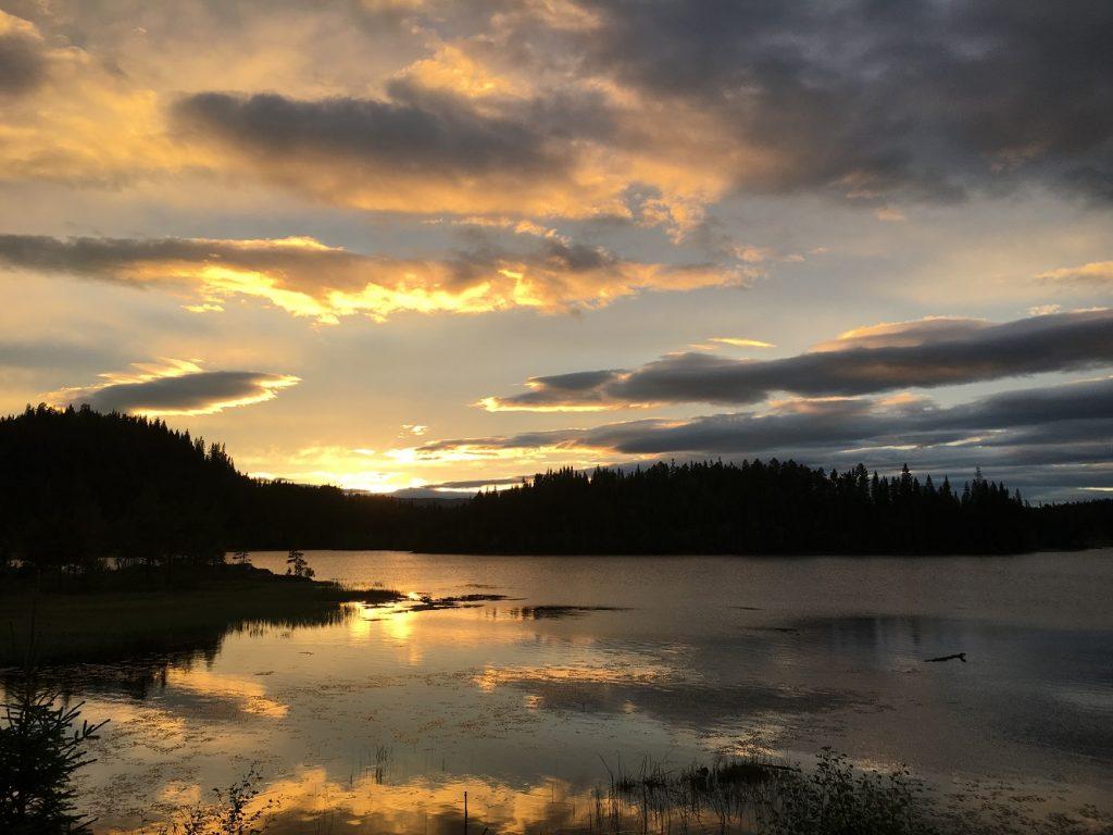 Amazing sunset at Byavatnet